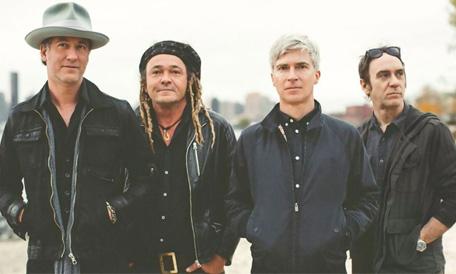 Tout savoir sur les dernières actus rock, c'est possible avec spoonradio.com.
